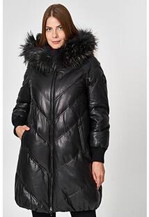 Кожаное пальто с отделкой мехом енота Vericci 350436