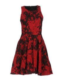 Короткое платье SLY010 34759951mv
