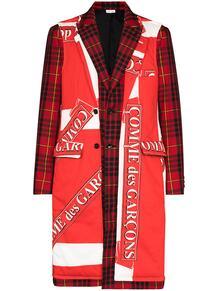 пальто в клетку тартан с логотипом COMME DES GARÇONS HOMME PLUS 1550569076