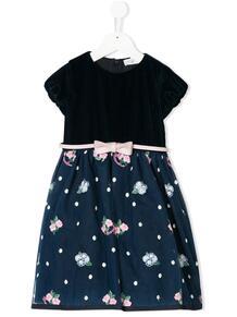 платье с присборенными деталями и цветочной вышивкой Monnalisa 1331233352