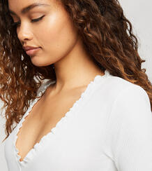 Белое боди сV-образным вырезом ифигурным декольте -Белый Miss Selfridge Petite 11884383