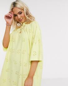 Платье-футболка в стиле oversized лимонного цвета с вышивкой ришелье -Желтый ASOS DESIGN 9514960