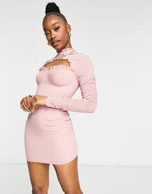 Розовое платье с высоким воротником, вырезом и завязкой на спине -Многоцветный In The Style 10712740