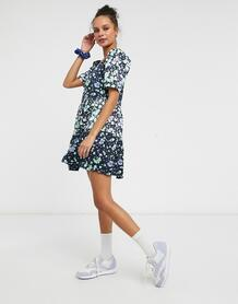Синее свободное платье мини с пышными рукавами и цветочным принтом -Голубой Liquorish 10715801