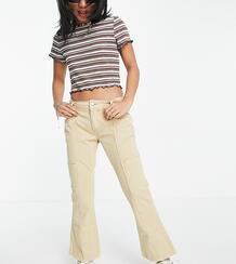 Светло-бежевые расклешенные брюки в утилитарном стиле с заниженной талией ASOS DESIGN Petite-Светло-бежевый Asos Petite 11372848
