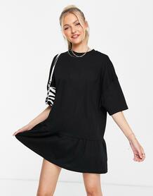 Черное платье-футболка в стиле oversized с оборкой по краю -Черный цвет ASOS DESIGN 11221724