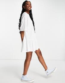 Белое платье-футболка в стиле oversized с оборками по краю -Белый ASOS DESIGN 11476931