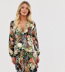 Короткое приталенное платье с глубоким вырезом и тропическим принтом Maternity-Мульти Queen Bee 8671241