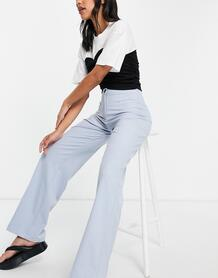 Строгие свободные брюки голубого цвета из переработанного полиэстера с широкими штанинами -Голубой Bershka 105179730