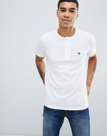 Белая футболка хенли с логотипом Abercrombie & Fitch - Белый Abercrombie& Fitch 1341666