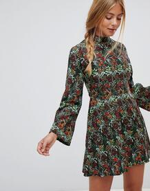 Свободное платье с принтом и рукавами клеш QED London - Черный 1338907