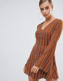 Платье мини горчичного цвета в полоску с расклешенными рукавами и пуго MISSGUIDED 1339252