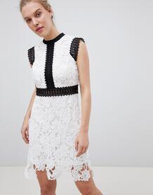 Кружевное короткое приталенное платье Liquorish - Белый 1277820