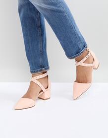 Розовые лакированные туфли на среднем каблуке с заклепками RAID Debby 1240873