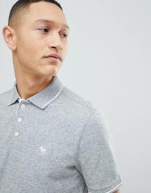 Серая узкая футболка-поло с логотипом Abercrombie & Fitch - Серый Abercrombie& Fitch 1253811