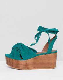 Замшевые премиум-туфли на плоской платформе ASOS DESIGN Trinity 1204795