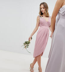 Платье миди с запахом и отделкой TFNC Petite - Розовый 1188547