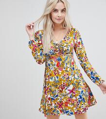 Платье с вырезом на спине и цветочным принтом Boohoo Petite 1227359