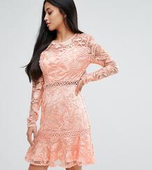 Кружевное приталенное платье с расклешенными рукавами True Decadence P True Decadence Petite 1087251