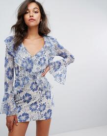Кружевное платье с оборками и глубоким вырезом Missguided - Синий 1062517